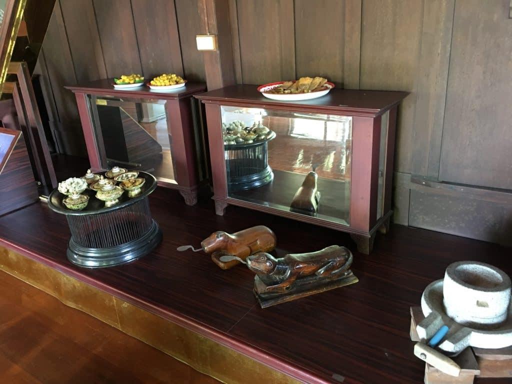 ภายในชั้นสองฝั่งซ้าย พิพิธภัณฑ์ขนมไทย อุทยานร.2