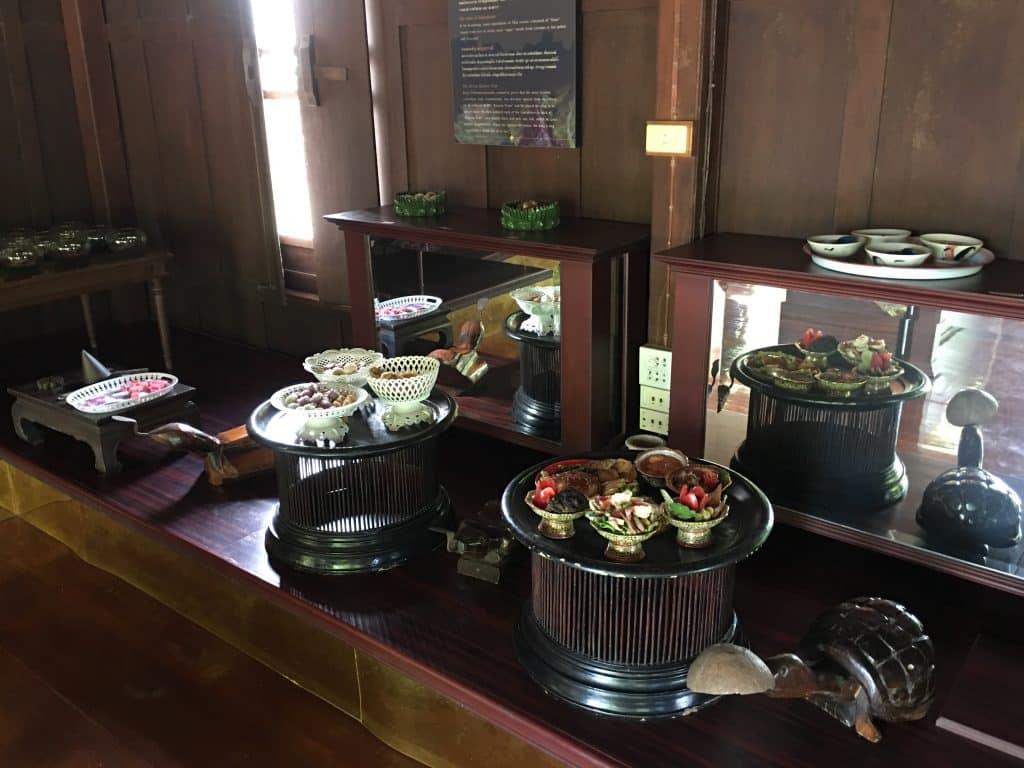 ภายในชั้น2ซ้ายสุดสุด พิพิธภัณฑ์ขนมไทย อุทยานร.2 ที่พักอัมพวา 2020 สวยๆ